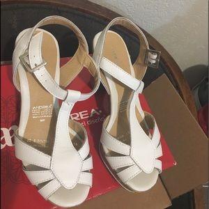 Andrea shoes size 5
